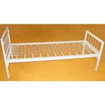 Кровать с металлическими спинками