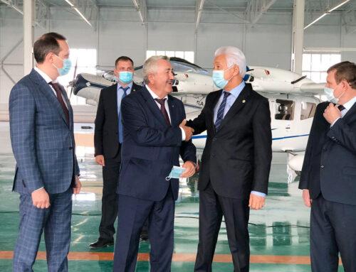 Президент Дагестана поздравил кэмзовцев с Днём машиностроителя.